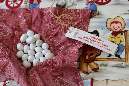 "Game Prize ""Rattlesnake Eggs"" open"