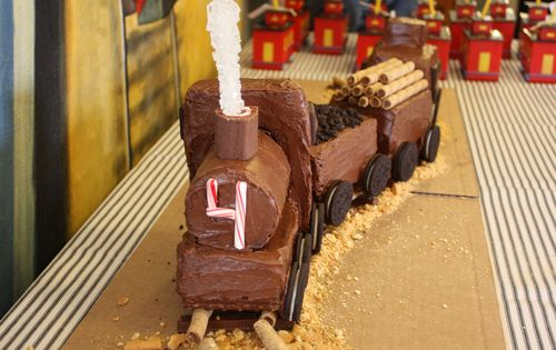Front of train cake