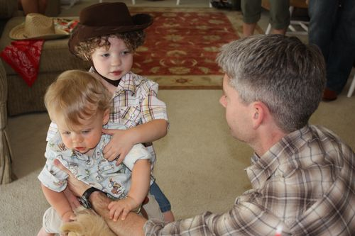 Cowboys Joshua & Isaac on their horse