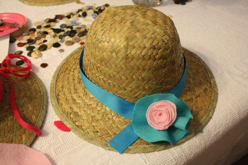 Vintage hat with felt flowers